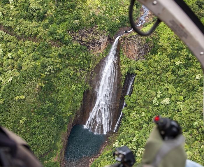 Kauai Blick aus dem Hubschrauber: Manawaiopuna Falls (Jurassic Park Falls) Luftbild aerial photo
