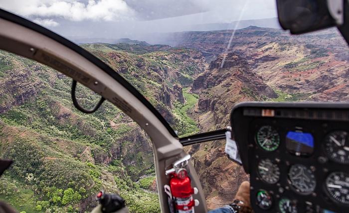 Kauai Blick aus dem Hubschrauber: Waimea Canyon Luftbild aerial photo