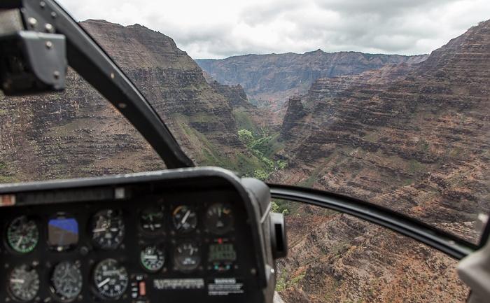 Blick aus dem Hubschrauber: Waimea Canyon - Wahane Valley Kauai