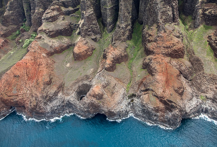Kauai Blick aus dem Hubschrauber: Pazifik, Na Pali Coast The Bright Eye Luftbild aerial photo