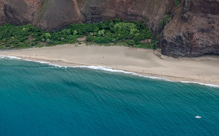 Kauai Blick aus dem Hubschrauber: Pazifik, Na Pali Coast mit dem Kalalau Beach Luftbild aerial photo