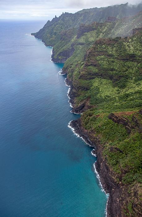 Kauai Blick aus dem Hubschrauber: Pazifik, Na Pali Coast Luftbild aerial photo