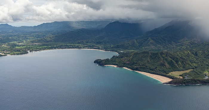 Kauai Blick aus dem Hubschrauber: Pazifik Hanalei Bay Kolokolo Point Lumahai Beach Makahoa Point Luftbild aerial photo