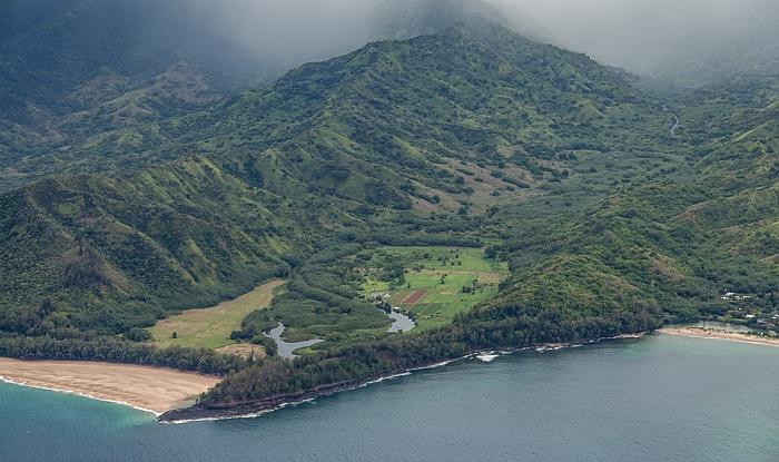 Kauai Blick aus dem Hubschrauber: Pazifik Kolokolo Point Lumahai Beach Lumahai River Maniniholo Bay Luftbild aerial photo
