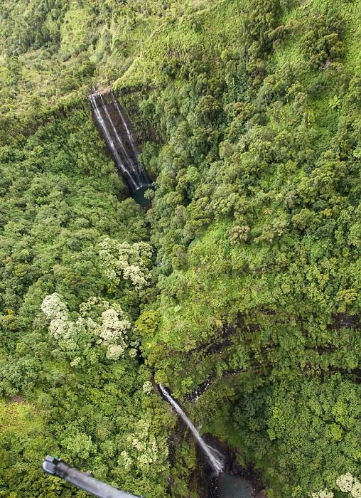 Kauai Blick aus dem Hubschrauber: Hanalei Valley - Wasserfälle Luftbild aerial photo