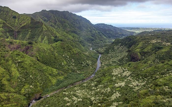 Blick aus dem Hubschrauber: Hanalei Valley mit Hanalei River Kauai