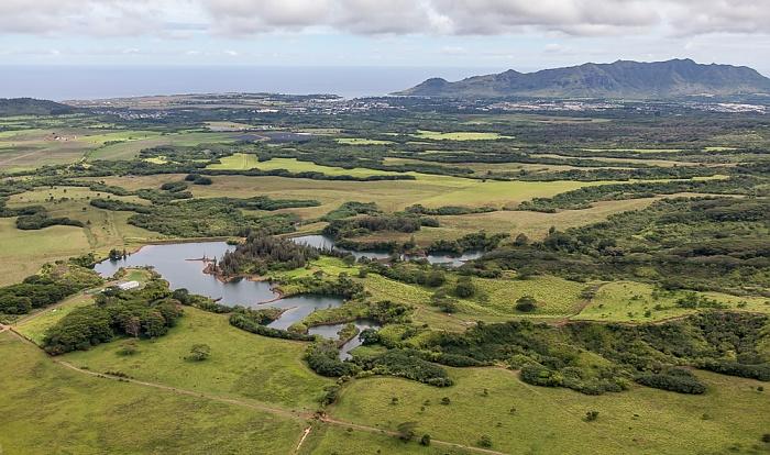 Kauai Blick aus dem Hubschrauber: Twin Pond Kapaia Reservoir Hoary Head Ridge Lihue Luftbild aerial photo