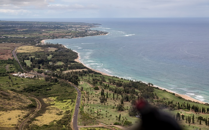 Kauai Blick aus dem Hubschrauber: Kuhio Highway, Wailua Golf Course, Nukolii Beach Park und Pazifik Kapaa Wailua Bay Luftbild aerial photo