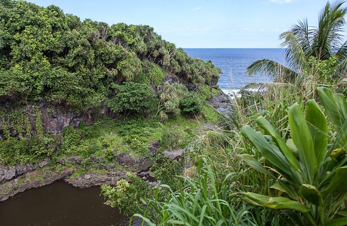Haleakala National Park Kipahulu Section: Seven Sacred Pools at Ohe'o Pepeiaolepo Bay