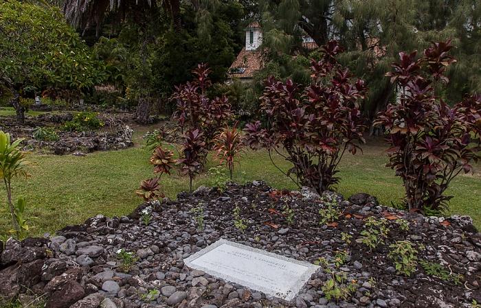 Palapala Ho'omau Church and  Grounds: Grab von Charles Lindbergh Kipahulu