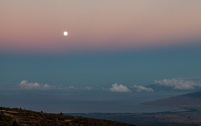 Blick vom Haleakala Highway (1950 m): Pazifik