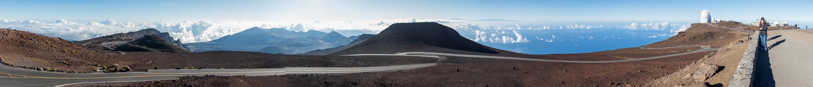 Haleakala National Park Blick vom Red Hill (Pu'u 'Ula'ula): Haleakala Crater (East Maui Volcano) Haleakala Observatory