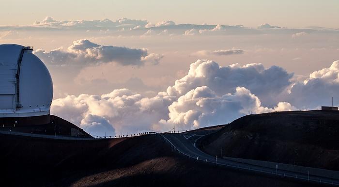 Mauna Kea Mauna-Kea-Observatorium: Keck-Observatorium (links)