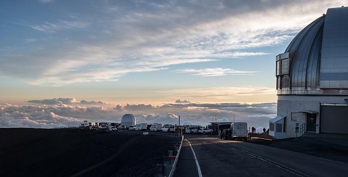 Mauna Kea Mauna-Kea-Observatorium: United Kingdom Infrared Telescope, University of Hawaii 88-inch Telescope (rechts)
