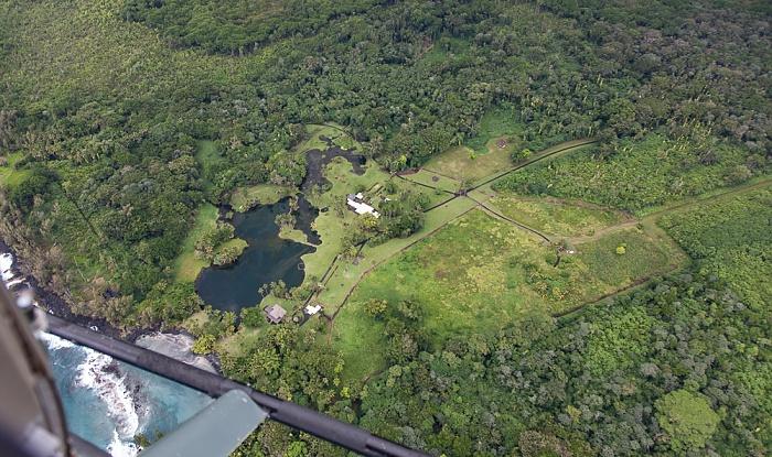 Big Island Blick aus dem Hubschrauber: W.H. Shipman Estate und Haena Beach Luftbild aerial photo