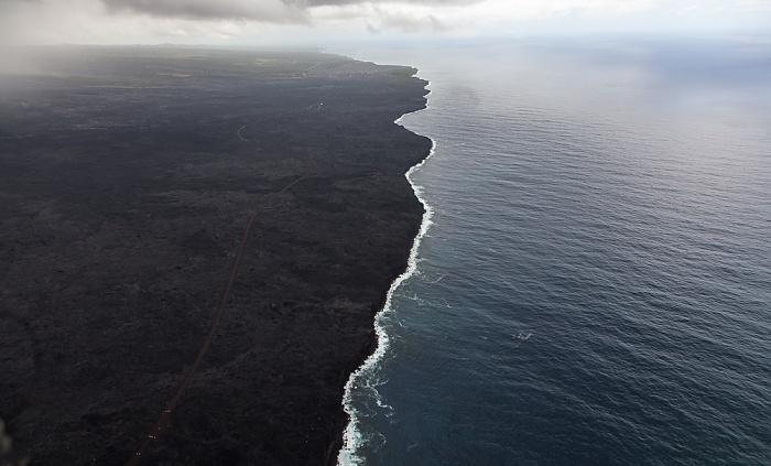 Big Island Blick aus dem Hubschrauber: Kilauea-Lavafelder mit der Kaimu-Chain of Craters Road, Pazifik Luftbild aerial photo