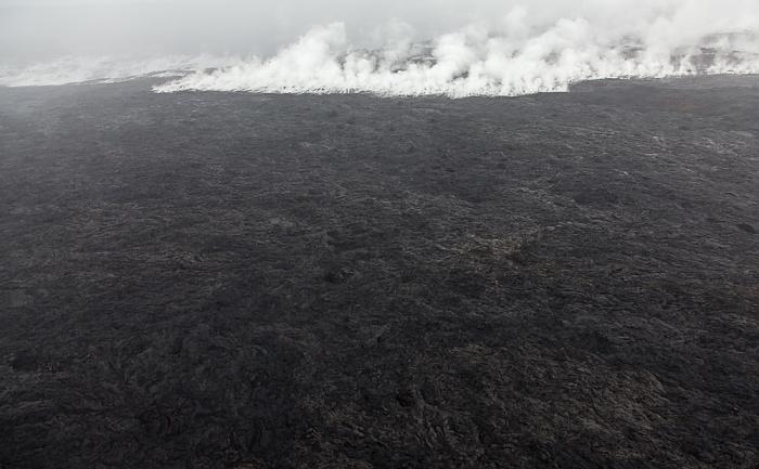 Big Island Blick aus dem Hubschrauber: Kilauea-Lavafelder, Dampfwolken Luftbild aerial photo