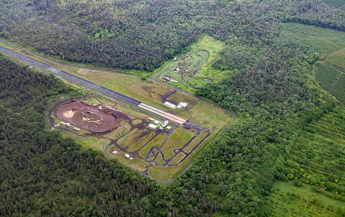 Big Island Blick aus dem Hubschrauber: Hilo Drag Strip Luftbild aerial photo