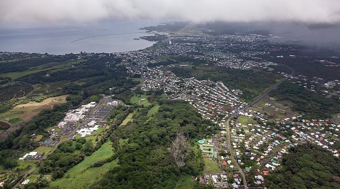 Big Island Blick aus dem Hubschrauber: Hilo Hilo Bay Luftbild aerial photo