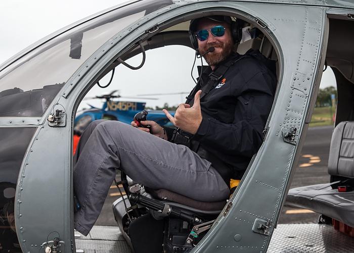 Hilo International Airport: Hubschrauberpilot Hilo