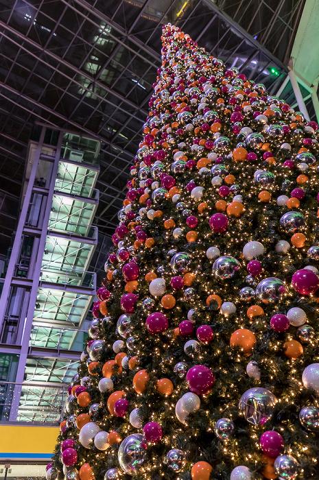 München Flughafen Franz Josef Strauß: Munich Airport Center - Weihnachts- und Wintermarkt