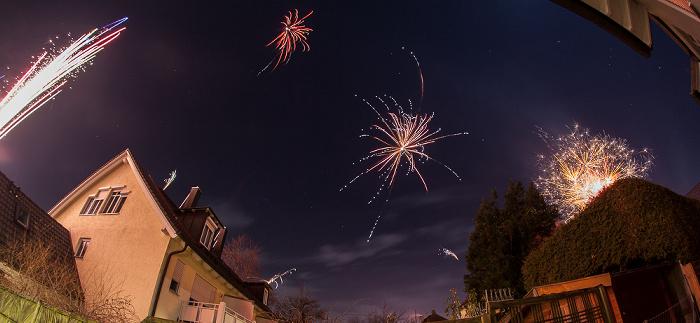 München Gratlspitzstraße: Neujahr-Feuerwerk