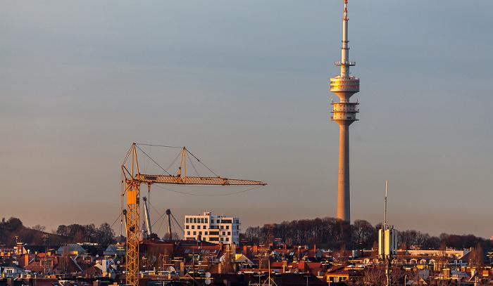 München Blick von der Technischen Universität (Arcisstraße): Olympiaturm Technische Universität