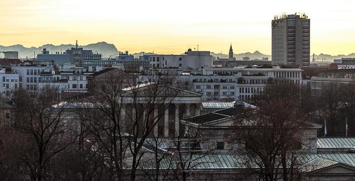 Blick von der Technischen Universität (Arcisstraße): Hotel NH München Deutscher Kaiser (rechts) Technische Universität