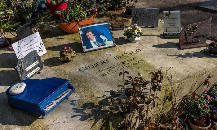 Cimetière du Père-Lachaise: Grab von Gilbert Bécaud (1927-2001) Paris