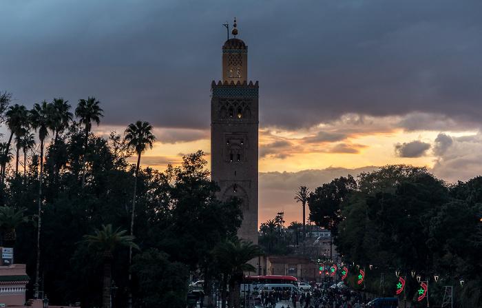 Marrakesch Blick vom Grand Balcon du Café Glacier: Medina mit der Koutoubia-Moschee