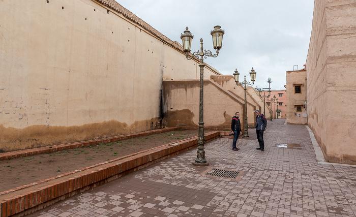Marrakesch Links die Kasbah-Moschee (Moschee al-Mansur, Moschee von Moulay al-Yazid)