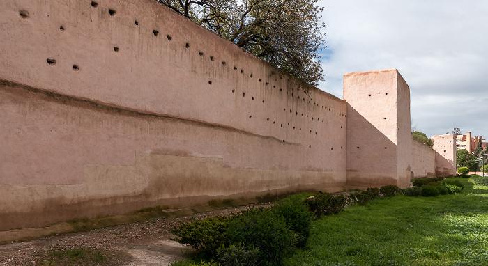 Marrakesch Stadtmauer am Bab Nkob
