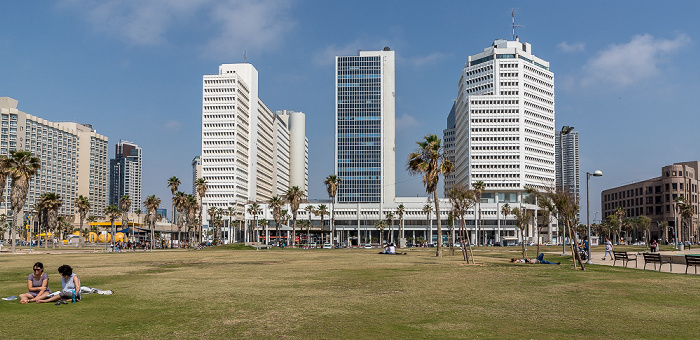 Tel Aviv Charles Clor Park and Beach, Textile Center Complex