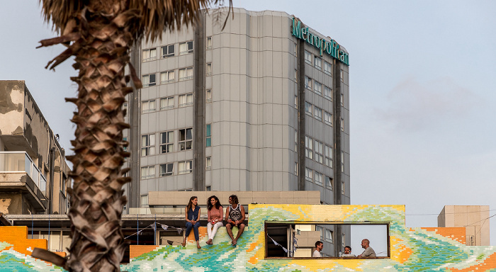 Tel Aviv Herbert Samuel Street: Beachfront Hostel Metropolitan Hotel