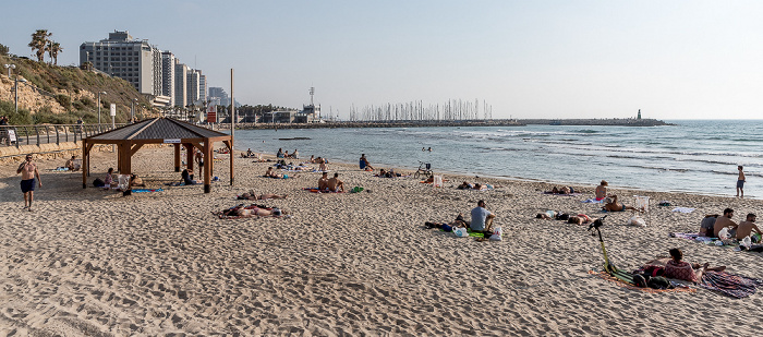 Tel Aviv Atzmaut Beach (Hilton Beach), Mittelmeer Tel Aviv Marina
