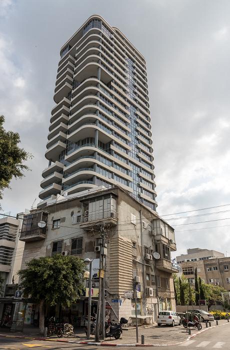 Tel Aviv Dizengoff Street Frishman Tower