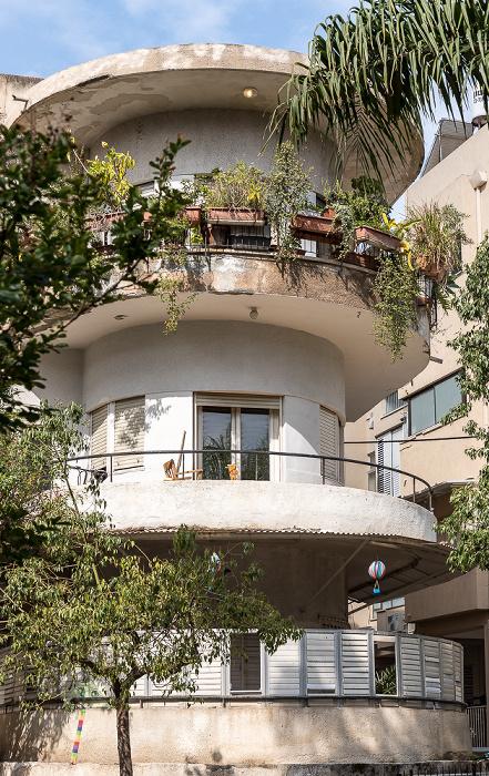 Tel Aviv Bograshov Street / Tchernikhovski Street