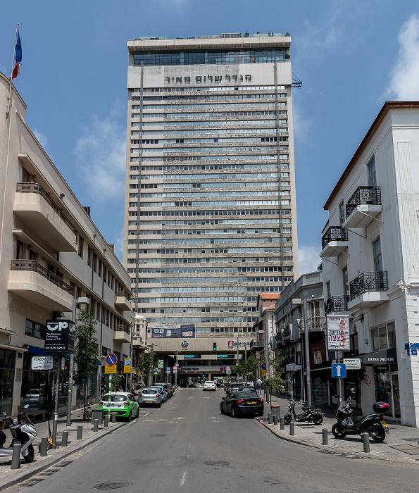 Tel Aviv Herzl Street: Shalom Meir Tower