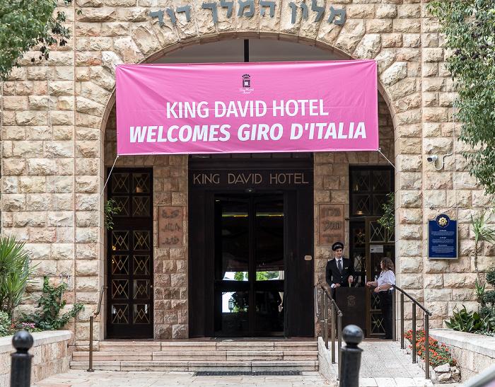 King David Hotel: Werbung für den in Jerusalem startenden Giro d'Italia Jerusalem