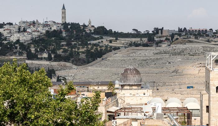 Blick von der Hurva-Synagoge: Altstadt mit der Al-Aqsa-Moschee auf dem Tempelberg Jerusalem