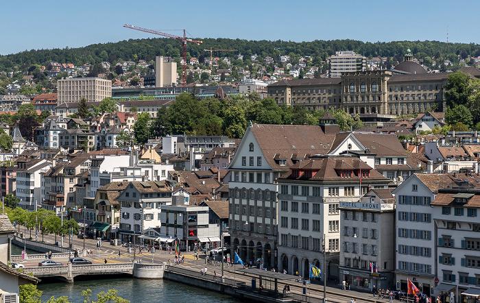 Altstadt - Blick vom Lindenhof: Niederdorf (Dörfli) mit Predigerkirche und Hauptgebäude der ETH Zürich Zürich
