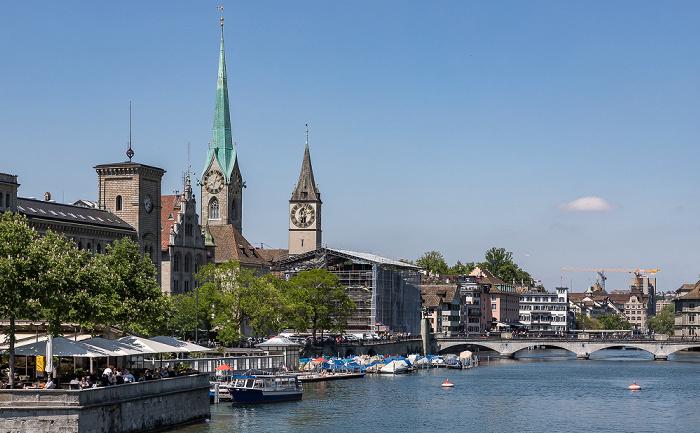 Altstadt - Blick von der Quaibrücke: Limmat Zürich
