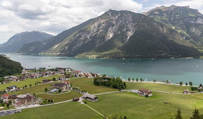 Zwölferkopf Blick aus der Karwendel-Bahn: Pertisau, Achensee, Brandenberger Alpen