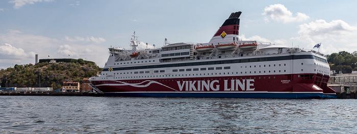 Stockholm Saltsjön: Viking Line Terminal (mit der Fähre Gabriella) Danvikstull