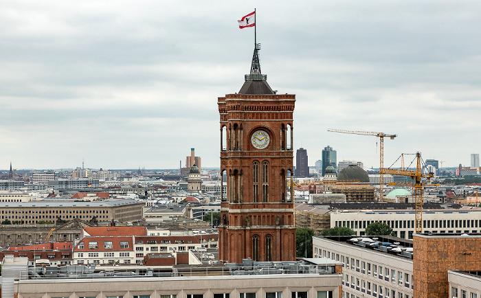 Blick aus dem Motel One Alexanderplatz: Rotes Rathaus Berlin
