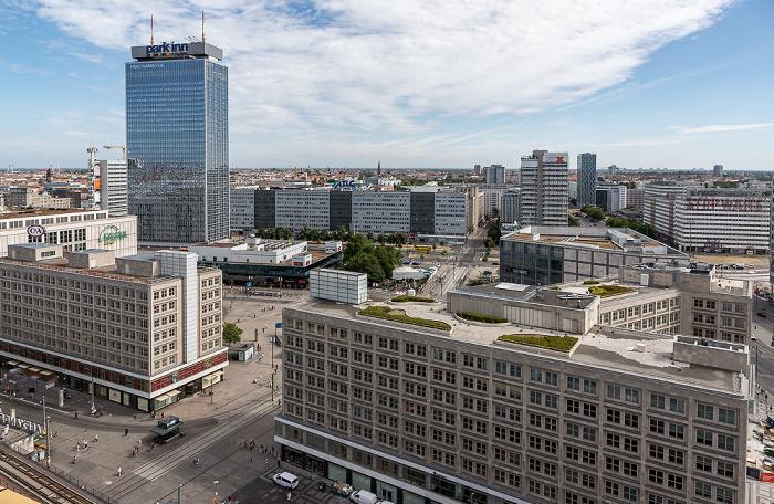 Blick aus dem Motel One Alexanderplatz: Park Inn by Radisson, Alexanderplatz Berlin