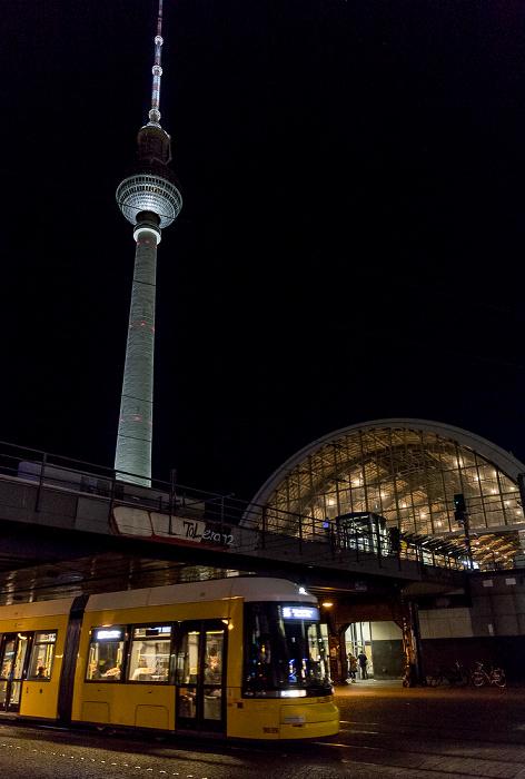 Bahnhof Alexanderplatz, Fernsehturm Berlin