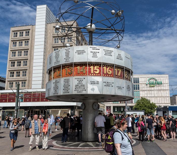 Berlin Alexanderplatz: Urania-Weltzeituhr