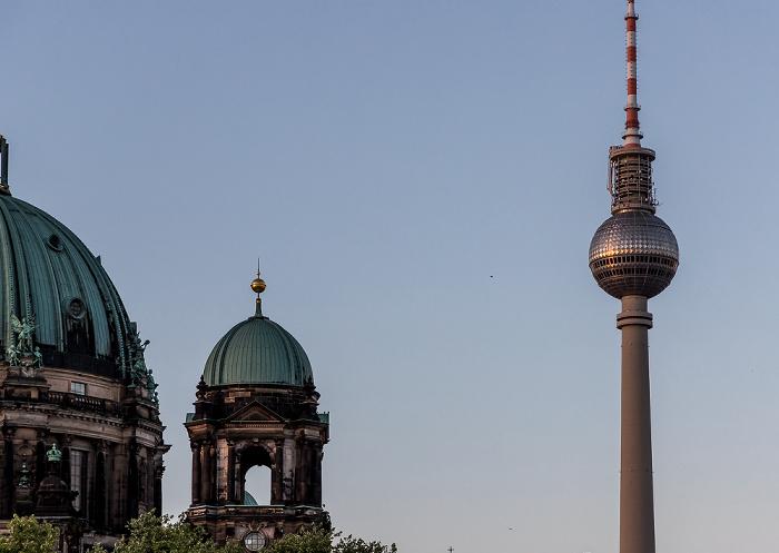 Berliner Dom, Fernsehturm Berlin