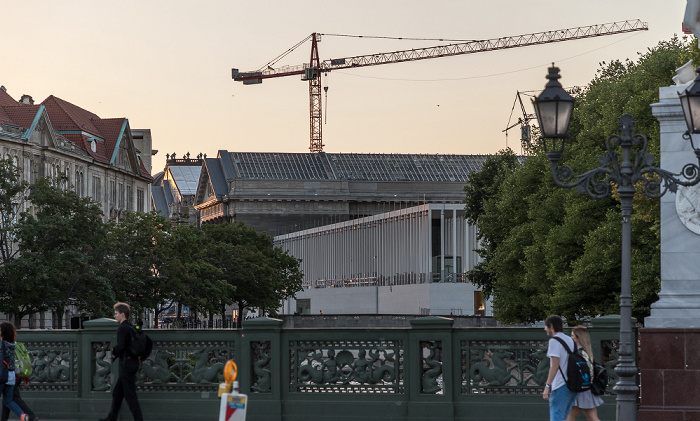 Blick von der Schloßbrücke: Museumsinsel Berlin